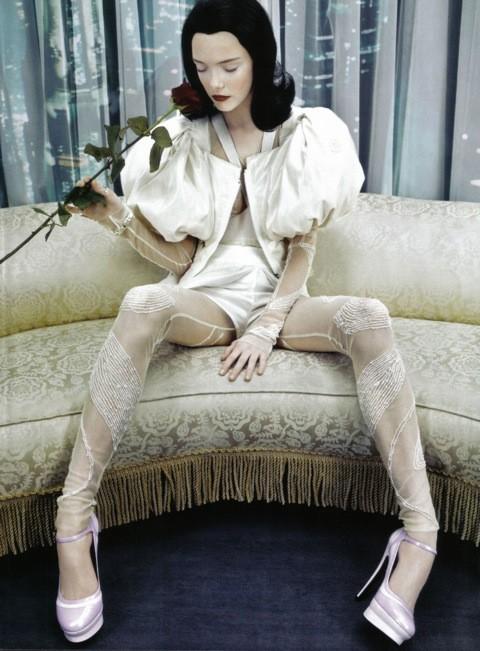 Neo-Romantic byEmma Summerton, Vogue Italia, june 2009. Изображение № 5.