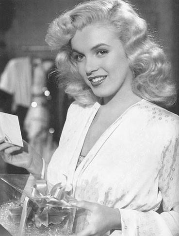 Изображение 30. Marilyn Monroe, pin-up girl.. Изображение № 38.
