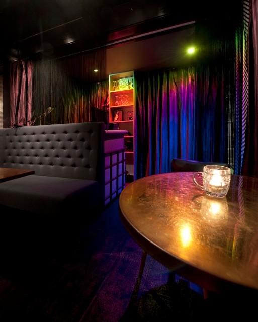 Под стойку: 15 лучших интерьеров баров в 2011 году. Изображение № 124.