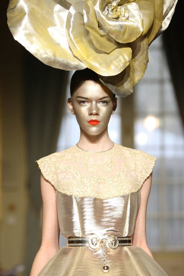 Alexis Mabille:Make-up & Hairstyle. Изображение № 9.
