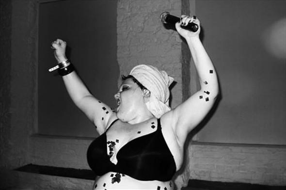 Короли вечеринок: 10 фотографов, снимающих светские и молодежные тусовки. Изображение № 106.