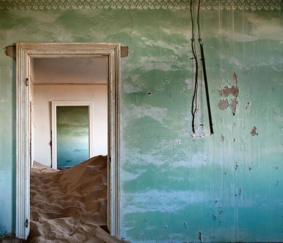 Изображение 11. Alvaro Sanchez-Montañes: город-призрак.. Изображение № 11.