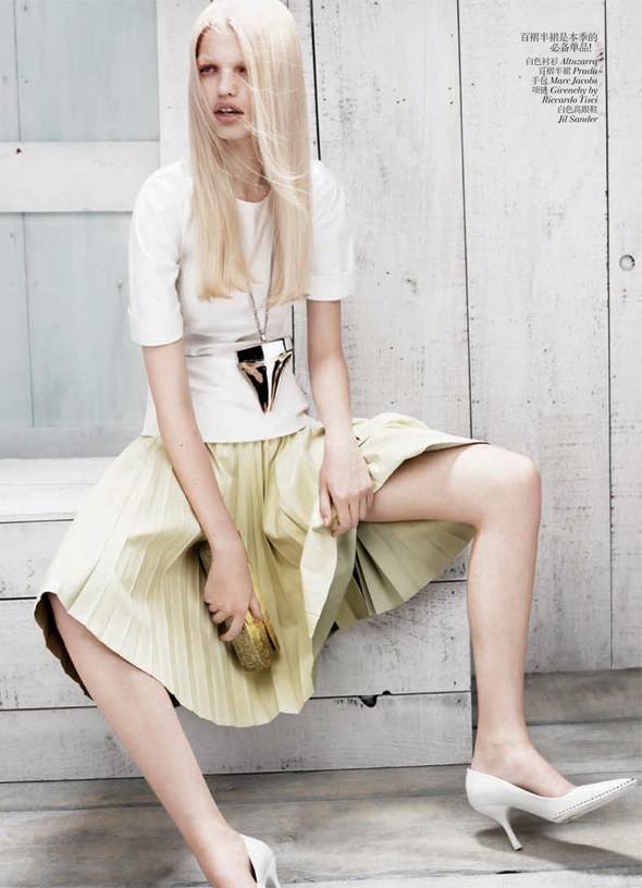 Съёмка: Дафне Гренвельд для Vogue. Изображение № 8.