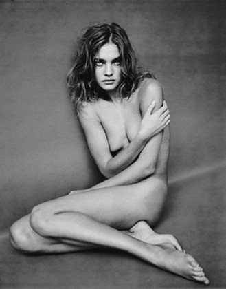 Части тела: Обнаженные женщины на фотографиях 1990-2000-х годов. Изображение №120.