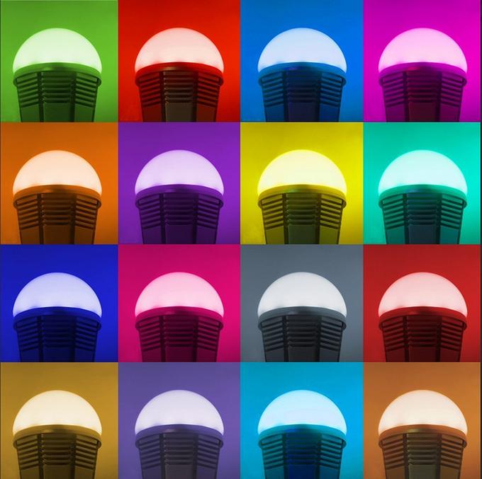 iPhone-приложение Smart Bulb управляет освещением. Изображение № 1.