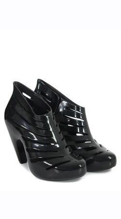 Обувь Melissa, Cooggles.com, $118. Изображение № 148.