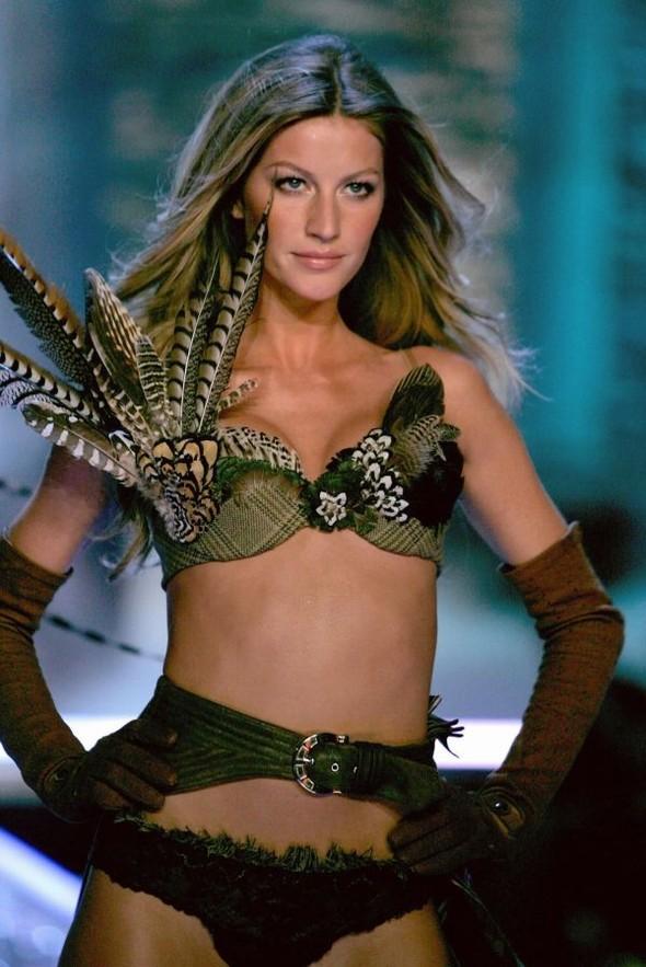 Victoria's Secret Lingerie Fashion Show 2008. Изображение № 1.
