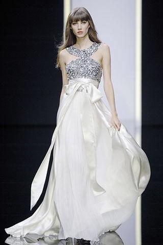 """""""Выбираем свадебное платье!"""" 93 идеи ведущих дизайнеров. Изображение № 27."""