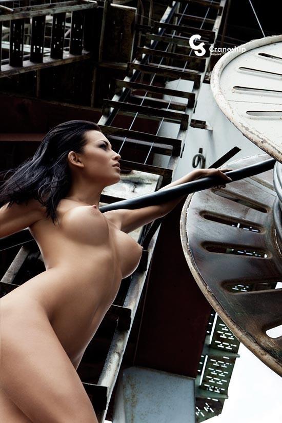 Nude Corporate Calendar 2010. Изображение № 16.