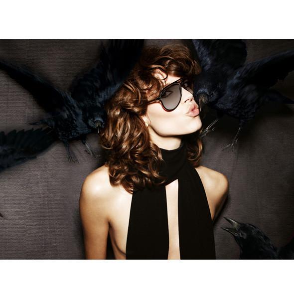 Рекламные кампании: Burberry, Louis Vuitton, Tom Ford. Изображение № 11.