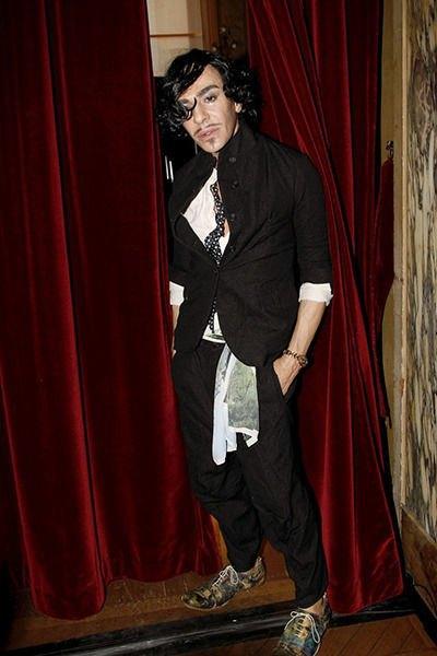 Джон Гальяно, фэшн-дизайнер. Изображение № 25.