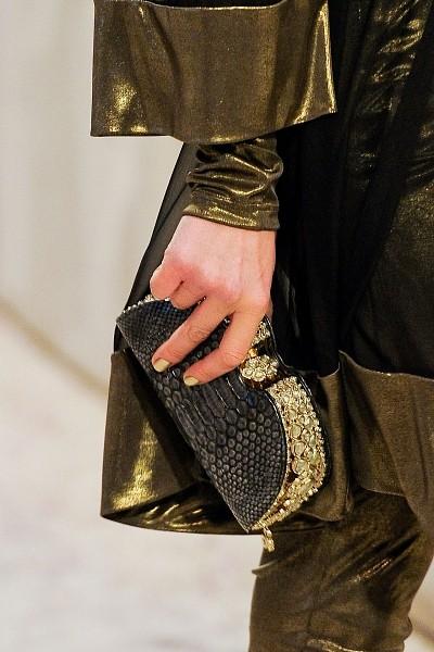Детали с показа Chanel Pre-Fall 2012. Изображение № 31.