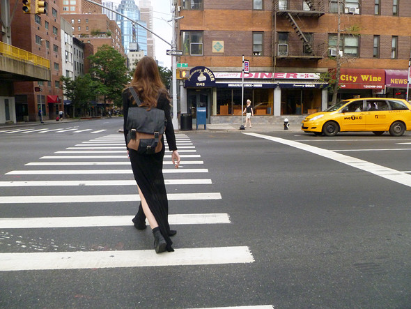 Модель и ее рюкзак. Изображение № 53.