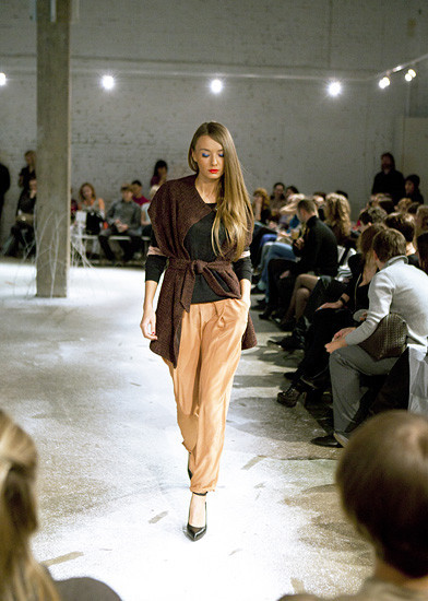 Модный показ на дизайн-заводе FLACON от магазина Ekepeople. Изображение № 1.