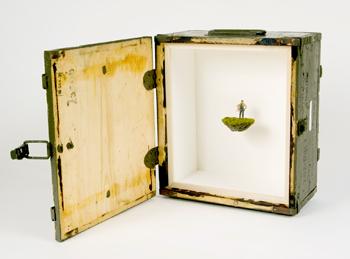 Нетрадиционный подход кфигуркам встеклянном шаре. Изображение № 58.