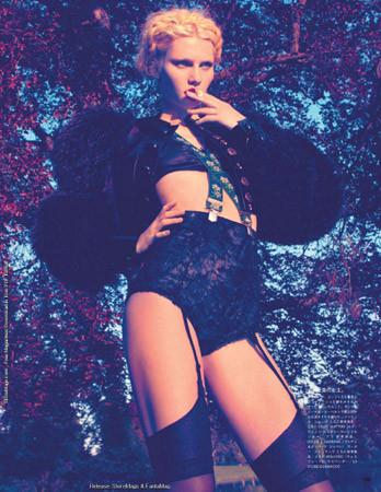 Съёмка в японском Vogue, август 2011. Изображение № 58.
