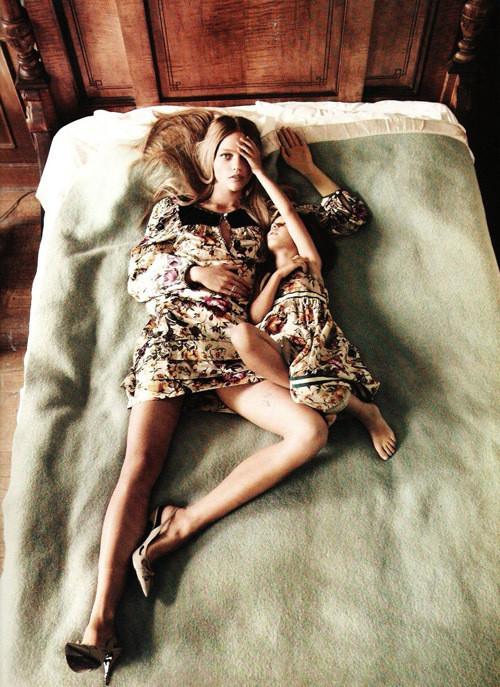 Изображение 3. Саша Пивоварова примерила на себя роль матери под прицелом камеры Микаэля Янссона.. Изображение № 3.
