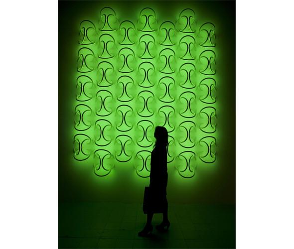 Система освещения «Wallpiercing» (букв. – «пирсинг для стены») от нью-йоркского дизайнера Рона Гилада. Изображение № 5.