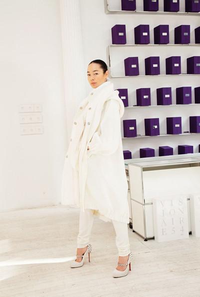 "Изображение 6. VISIONAIRE: 20 лет публицистики ""haute couture"".. Изображение № 7."