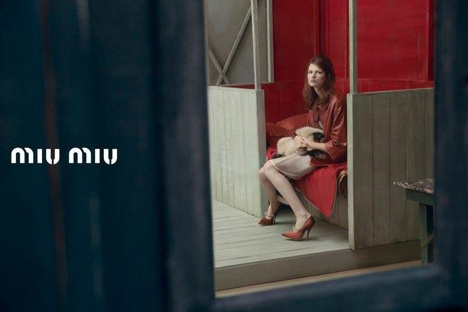 Max Mara, Prada и другие марки выпустили новые кампании. Изображение № 45.