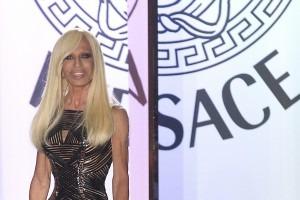 """Бренд Versace открыл """"смелый и сексуальный"""" интернет-магазин. Изображение № 1."""