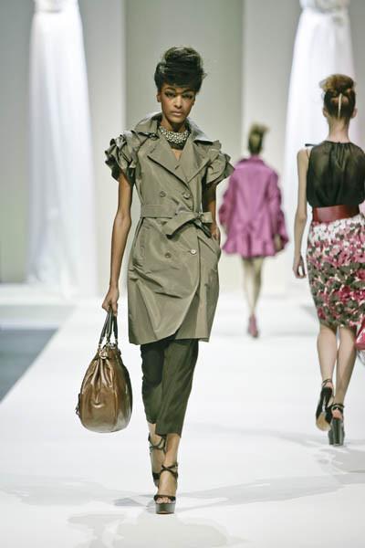 Moschino : шутник ихулиган итальянской моды. Изображение № 13.