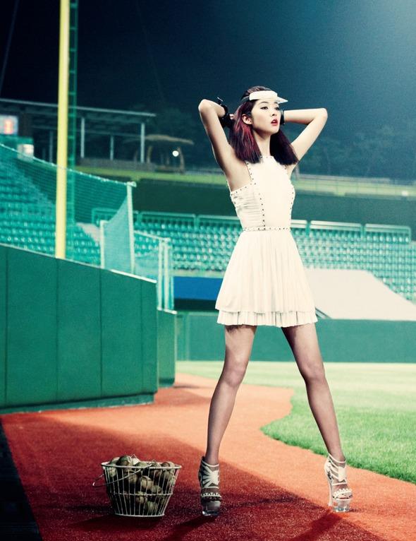 Быстрее, выше, сильнее: Модные съемки, вдохновленные спортом. Изображение №95.