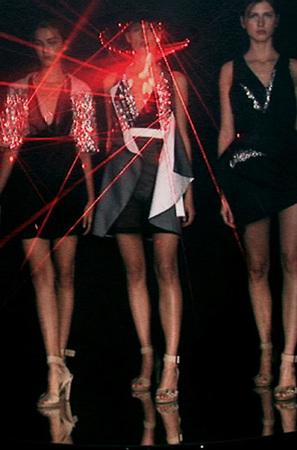 Лазерные платья Хуссейна Чалаяна. Изображение № 4.