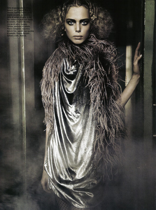Tanya Dziahileva byGreg Lotus forVogue Italia. Изображение № 14.