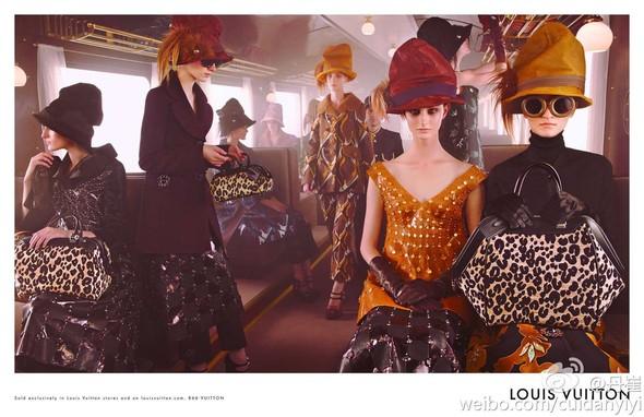 Превью кампаний: Emporio Armani, Marc Jacobs, Prada и другие. Изображение № 6.