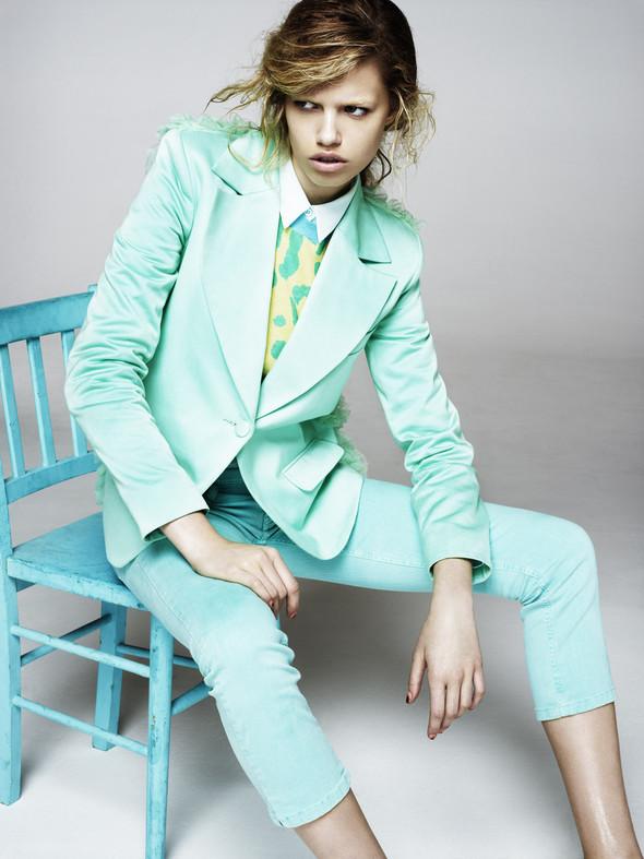 Новые съемки: Vogue, 25 Magazine, Exit. Изображение № 48.