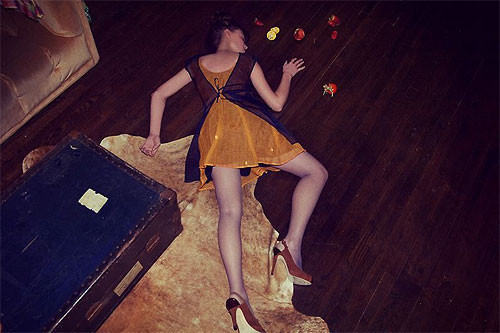 Необычные фэшн-фотографии Тома Хайнса. Изображение № 7.