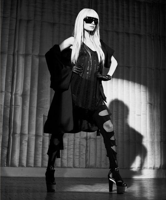 Панк-гламур отНиколь Риччи: Подражая Lady GaGa. Изображение № 6.