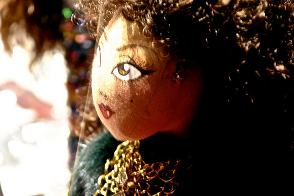 10 праздничных витрин: Робот в Agent Provocateur, цирк в Louis Vuitton и другие. Изображение № 34.