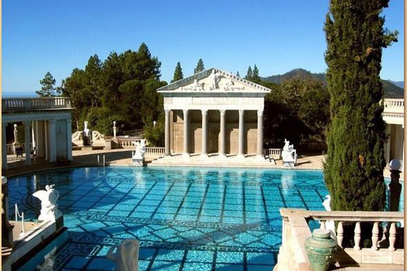 Изображение 1. 10 самых необычных бассейнов мира.. Изображение № 2.
