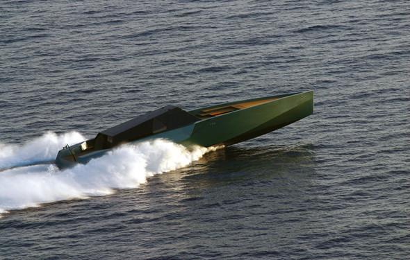 Wallypower 118 - плавающий спорткар!. Изображение № 2.