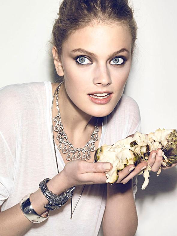 Съёмка: Констанс Яблонски для Vogue. Изображение № 4.