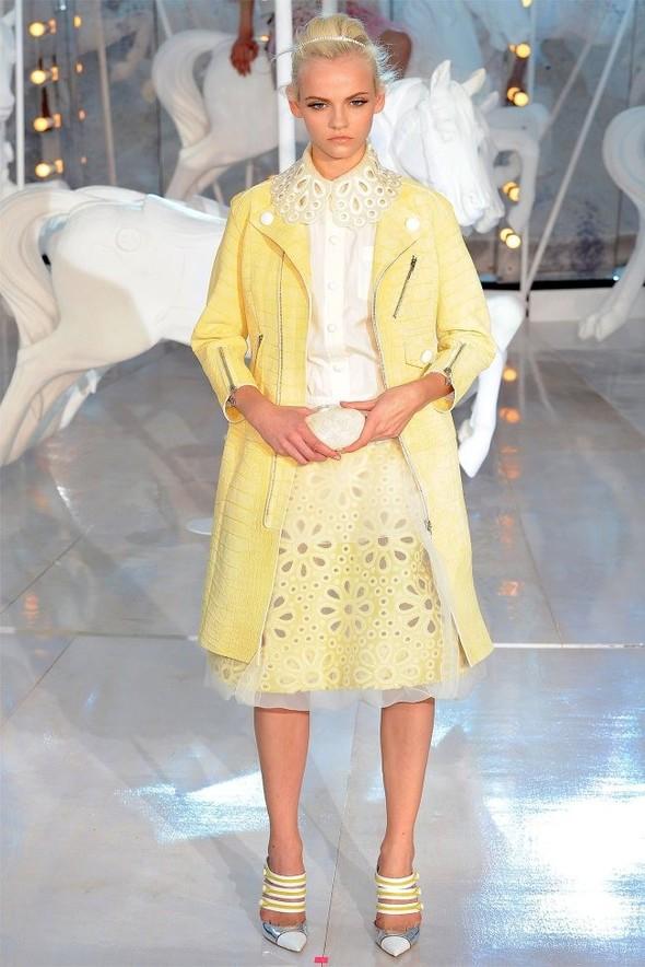 Неделя моды в Париже: Louis Vuitton весна 2012. Изображение № 27.