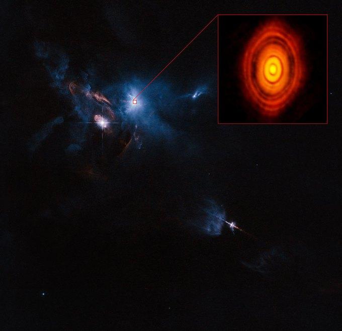 Расположение HL Tauri  в созвездии Тельца, ESO/Hubble. Изображение № 2.