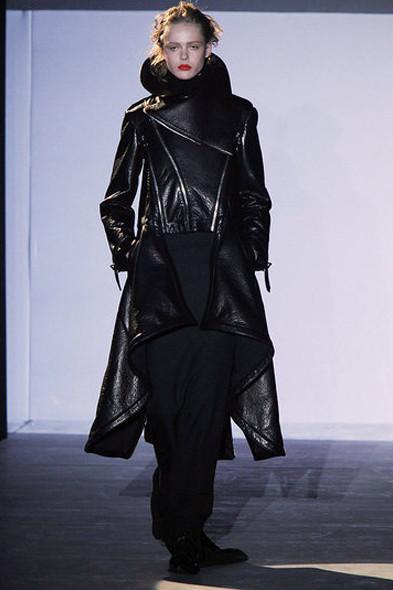Hakaan, источник: www.fashionologie.com. Изображение № 22.