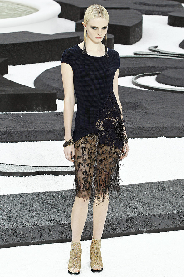 Карл Лагерфельд показал одну из самых красивых коллекций, когда-либо созданных для Chanel. Изображение № 52.