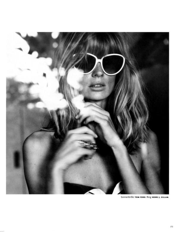 Съёмка: Юлия Штегнер для немецкого Vogue. Изображение № 7.