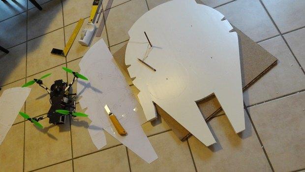 Энтузиаст построил дрон в виде «Тысячелетнего сокола». Изображение № 3.