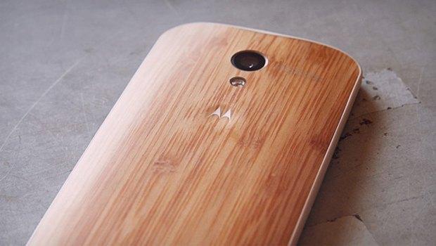 Motorola представила смартфон с деревянным корпусом. Изображение № 1.