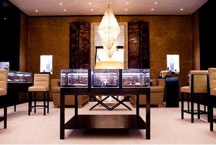 В Москве открылся флагманский бутик Chanel. Изображение № 1.