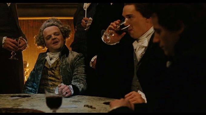 Бенедикт Камбербэтч  выпивает. Изображение № 7.