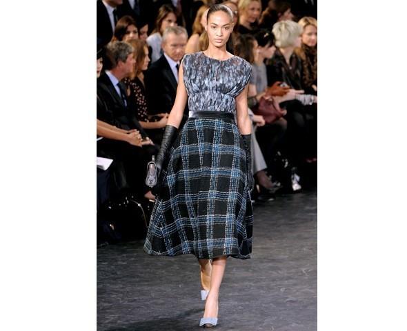 Можно все: Модели на показе Louis Vuitton. Изображение № 32.