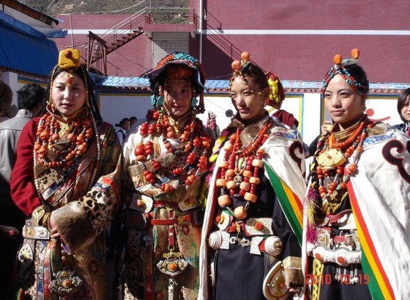 Тибет: семейные ценности и традиционные костюмы. Изображение № 5.