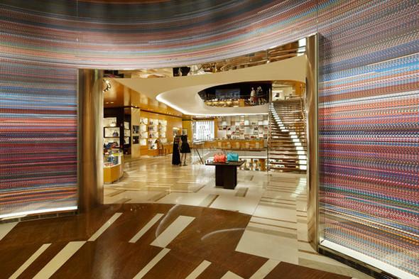 Новые магазины: Louis Vuitton в Риме, Chanel в Москве и Celine в Нью-Йорке. Изображение № 2.