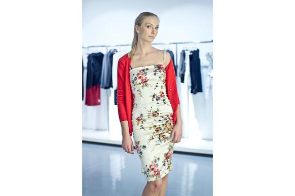 Платье 29 950р, кардиган 19 100р. Изображение № 13.